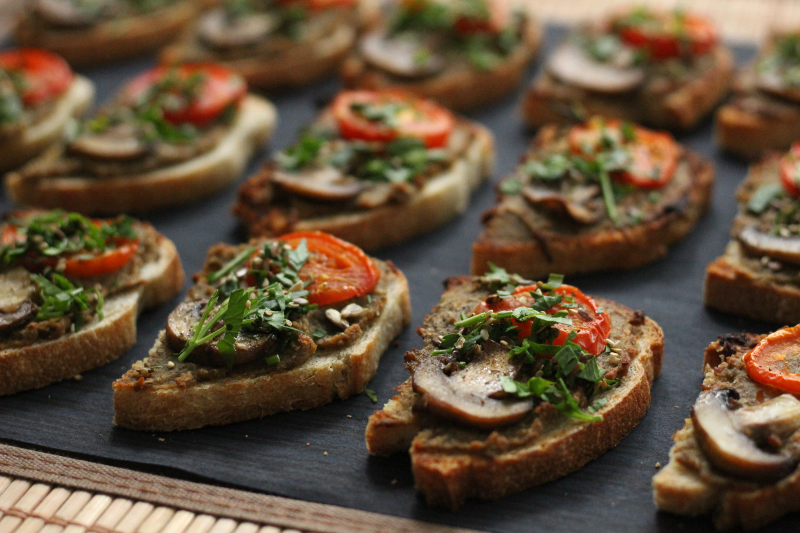 toasts javotte champignons tomates cocktail